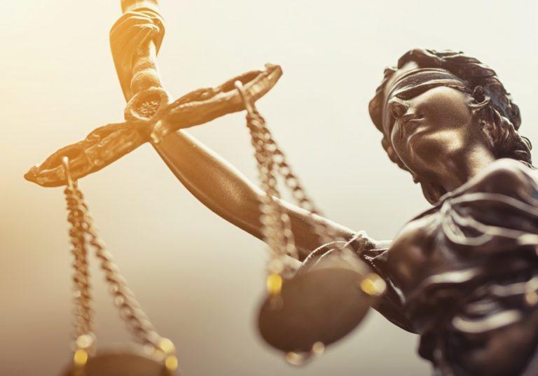 Uitspraak rechter: 'Avondklok per direct van tafel'