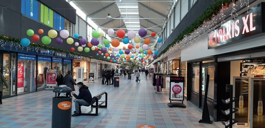 Winkelcentra in Haarlem en Beverwijk eerder dicht onder dreiging van avondklokrellen